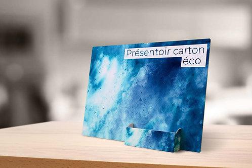 Eco présentoir carton bleu sur table en bois