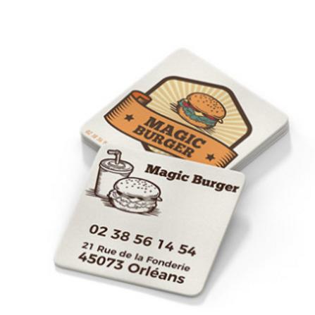 Sous-bock standard sur fond blanc avec burger