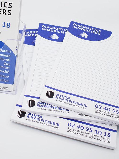Plusieurs blocs papier bleu et blanc
