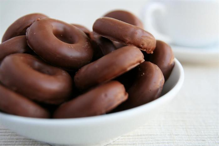 Donut Days Volunteers Needed
