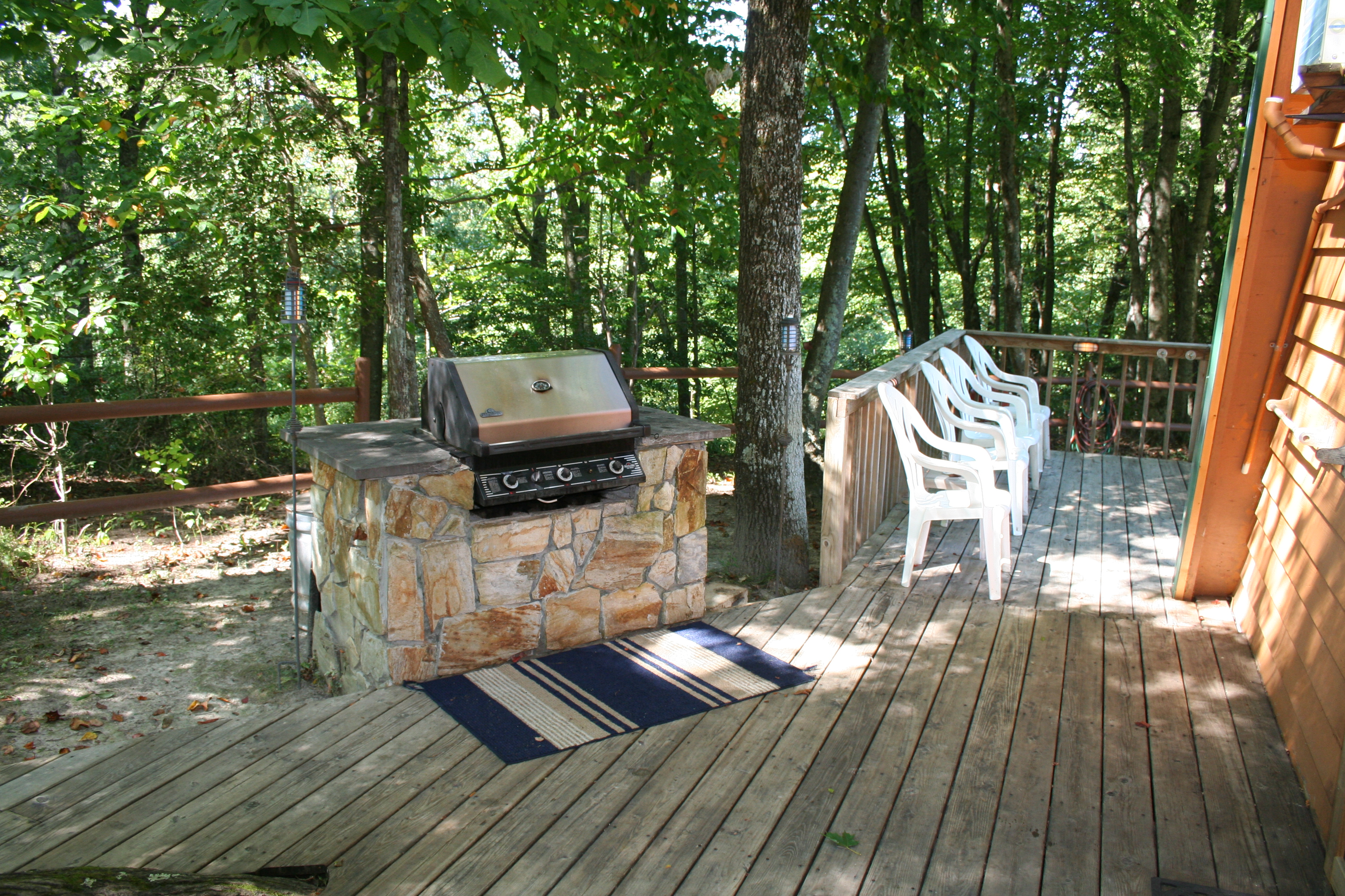 Set In-Stone Gas Grill