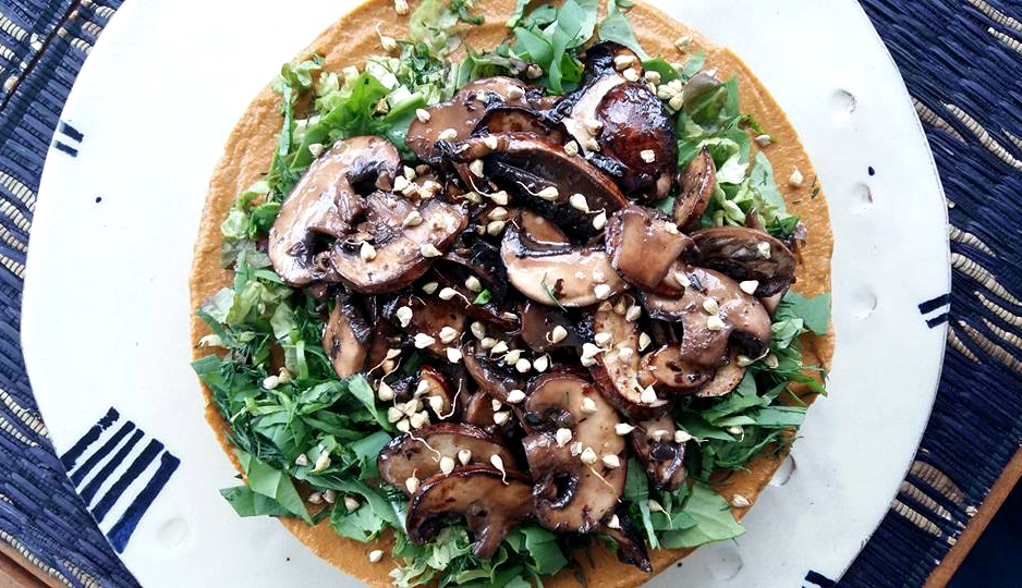 Raw vegan vegetable pie