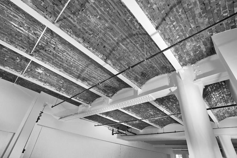 col beam ceilingBW.jpg