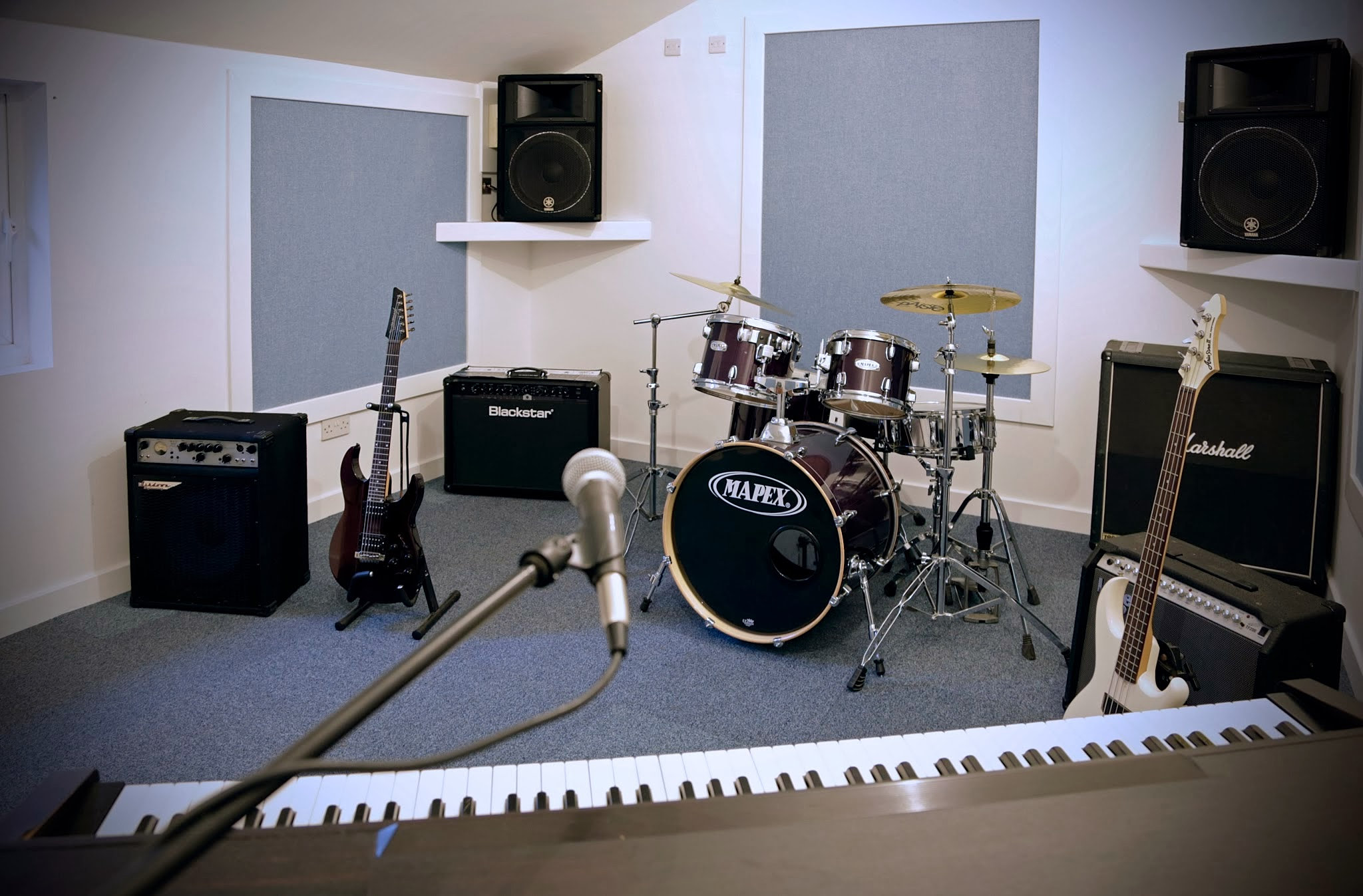 langleistdios rehearsal studios in kent. Black Bedroom Furniture Sets. Home Design Ideas