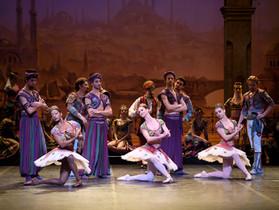 ロンドンコロシアムにて、イングリッシュ・ナショナル・バレエ「海賊」