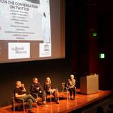 国際女性デー: 国連シネマ 主催 女性戦場ジャーナリストドキュメンタリー映画「アンダー・ザ・ワイヤー」