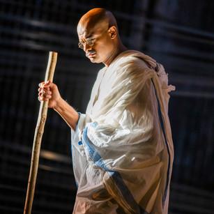 イングリッシュ・ナショナル・オペラ(ENO)の『サティヤーグラハ』