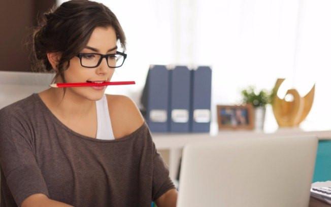 Conheça 10 hábitos prejudiciais para a saúde oral.