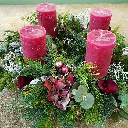 Adventkranz beere, gesteckt, ca. 40cm, durchgefärbte Kerzen