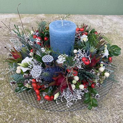Blütenkranz groß haltbar; mit Teller und Kerze; ca. 30m cm Durchmesser