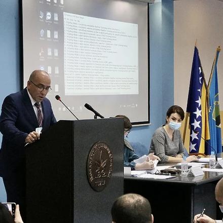 Vlada Tuzlanskog kantona i premijer Denijal Tulumović podnijeli neopozive ostavke