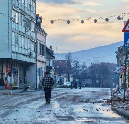 U Petrinji nakon razornog potresa: Razrušen grad i strah od novog podrhtavanja