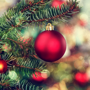 Širom BiH i svijeta danas se slavi Božić - Dan Isusovog rođenja