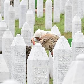 Majke Srebrenice o odšteti Holandije: Novac ne može nadomjestiti naše najmilije