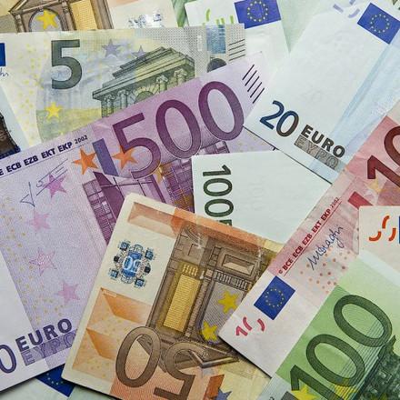 Ograničenje od 10.000 eura? EU razmatra ograničenje plaćanja u gotovini