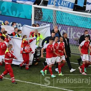 Objavljena fotografija: Eriksen bio pri svijesti kad je iznesen sa stadiona