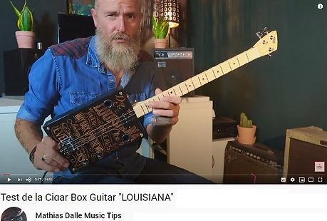 Test Cigar box guitar 3 cordes.jpg
