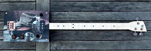 Cigar Box Tony Tucker 3 cordes precision bass