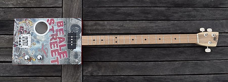 cigar box guitar personnalisée