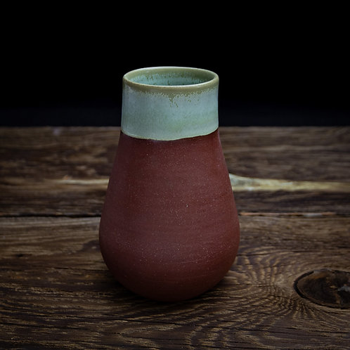 Oak moss green and dundee red vase