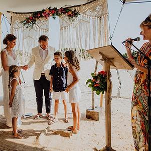 Wedding ceremony English and Dutch. Hoch