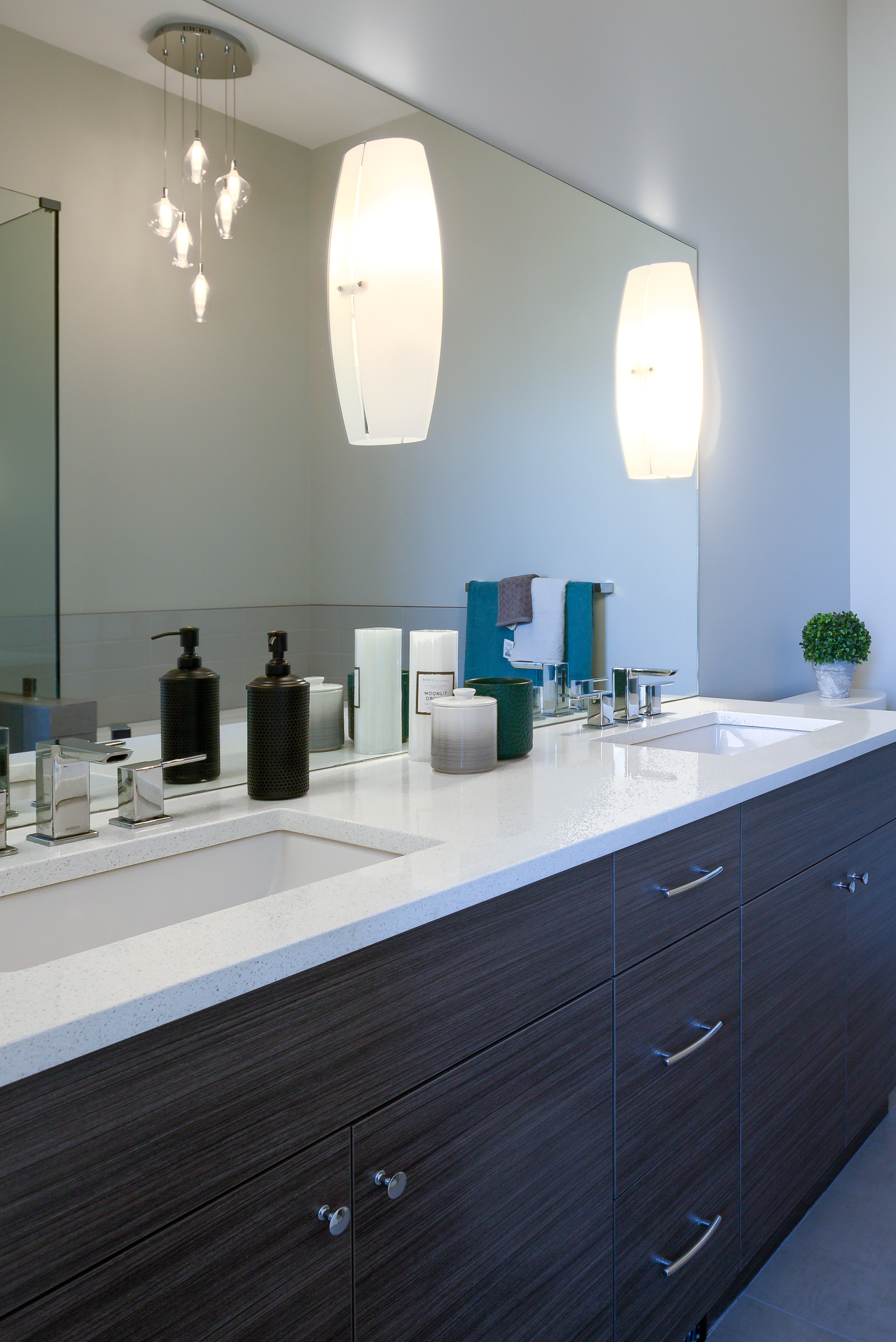 Dunbar Villas contemporary bathroom built by Impact Builders