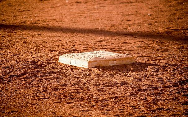 baseball-3267115_1920.jpg