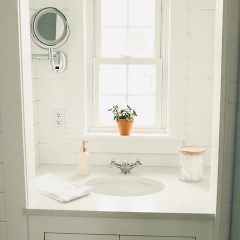 Bathroom vanity in tiny house