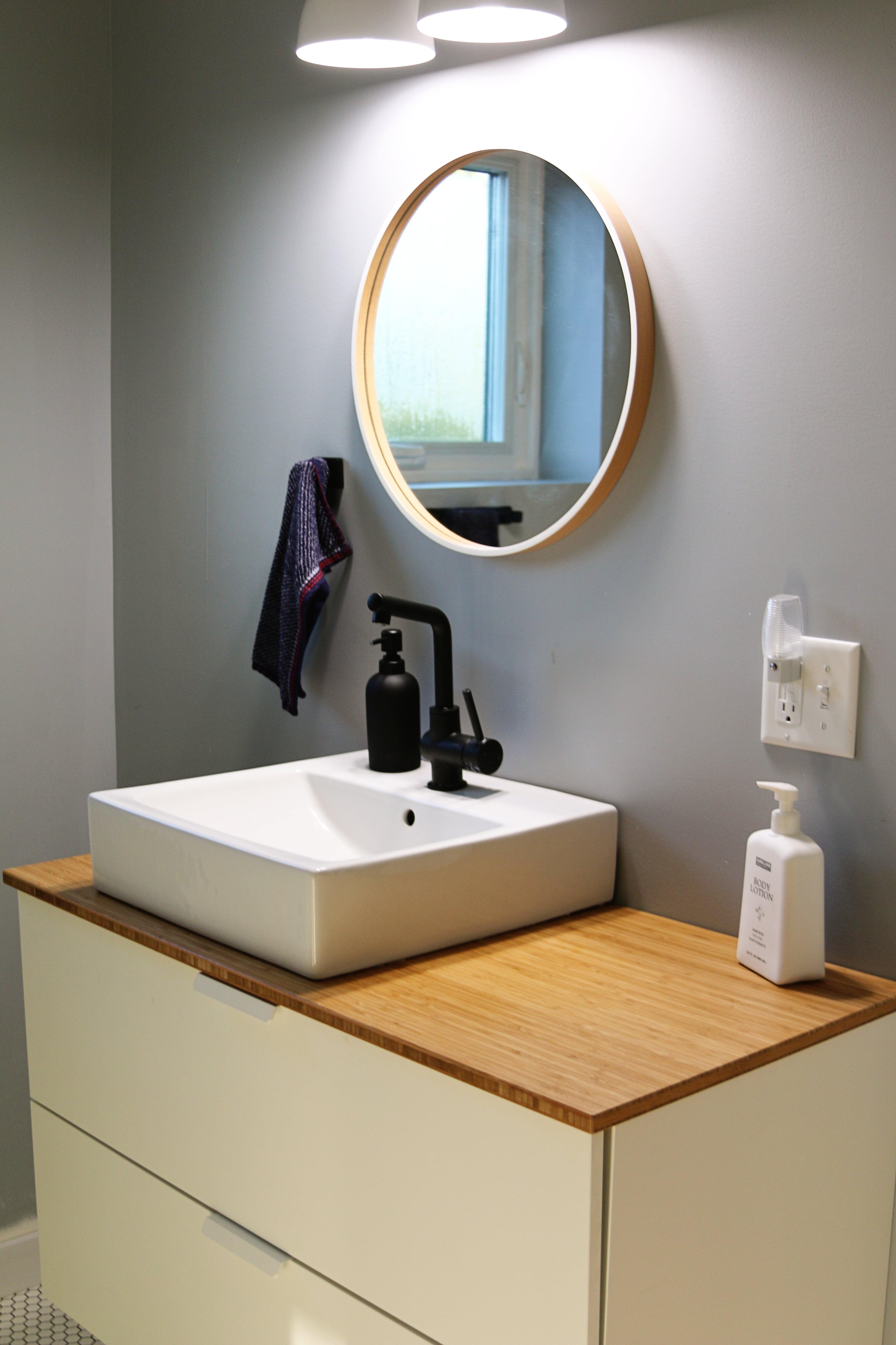 clean-living-bathroom