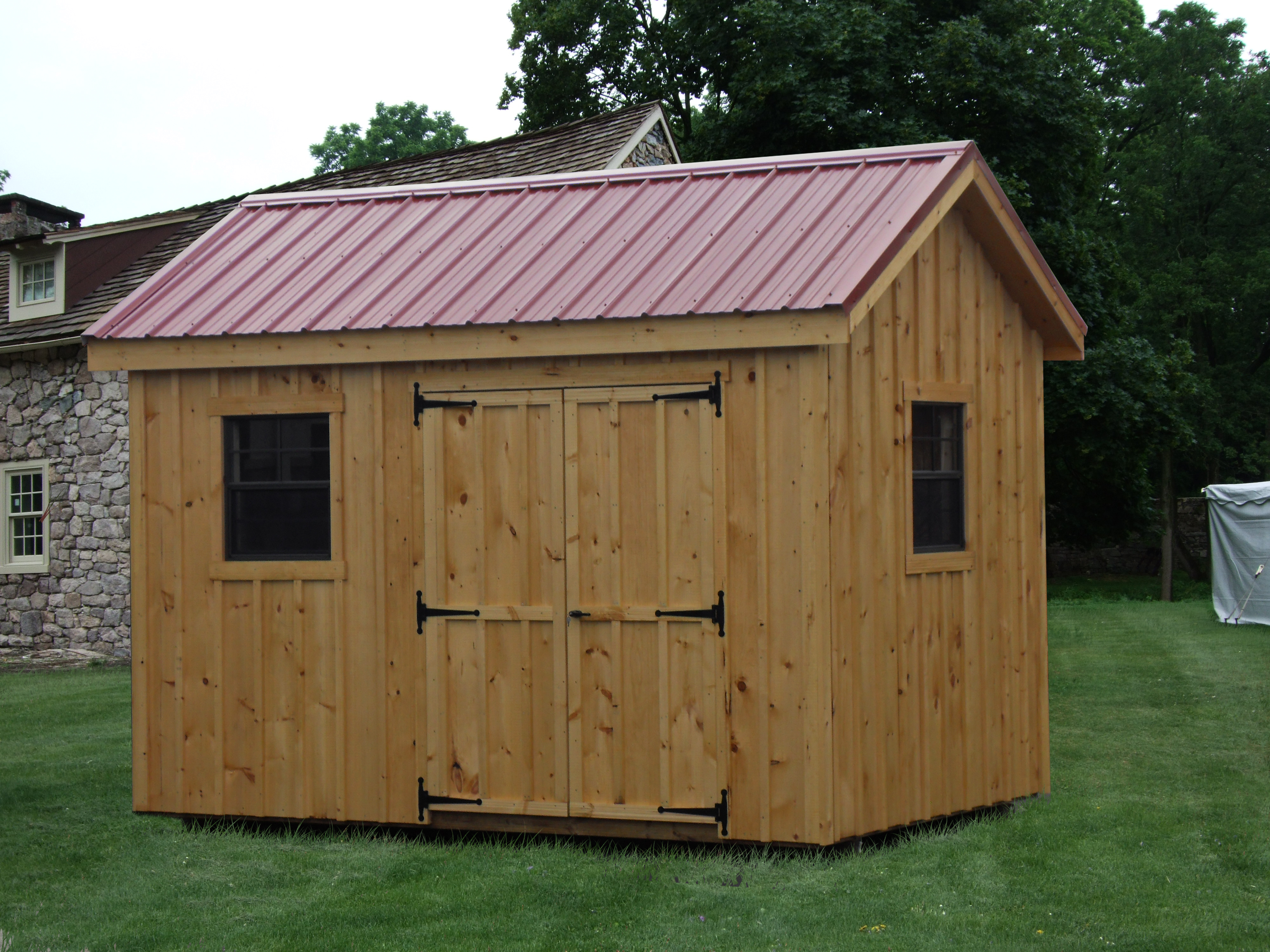 8x12 Board and Batten Workshop with Metal Roof