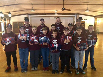 NP Ironmen Present Blankets to Veterans