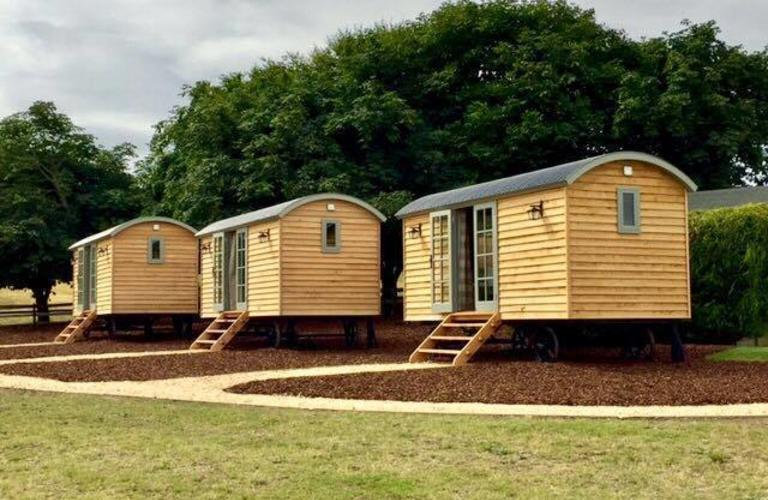 WellingtonBarnShepherd Huts.544d49df3ea2