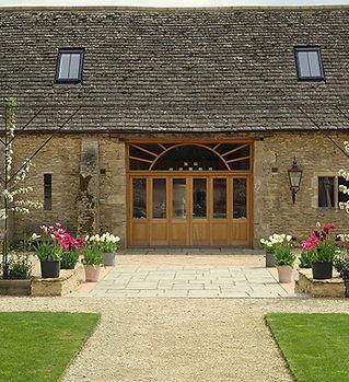 oxleaze-barn-gloucestershire-wedding-ven