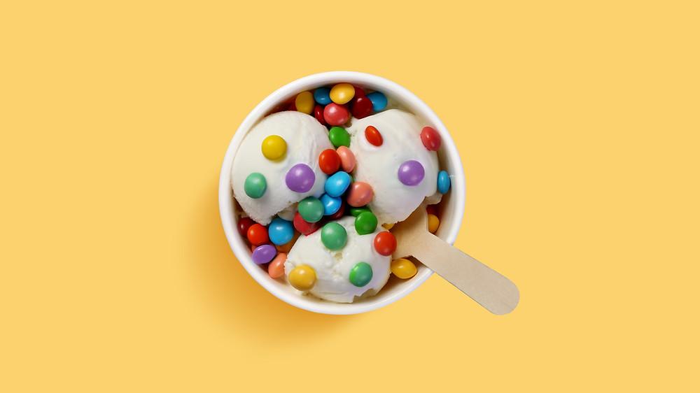 Это вкусное мороженное - символизирует три вкусные рубрики свадебного блога свадебного агентства в Киеве MuZa-wedding