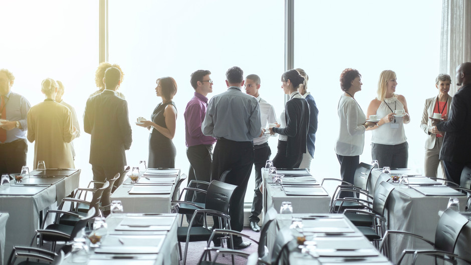 商学院面临的挑战及其转型