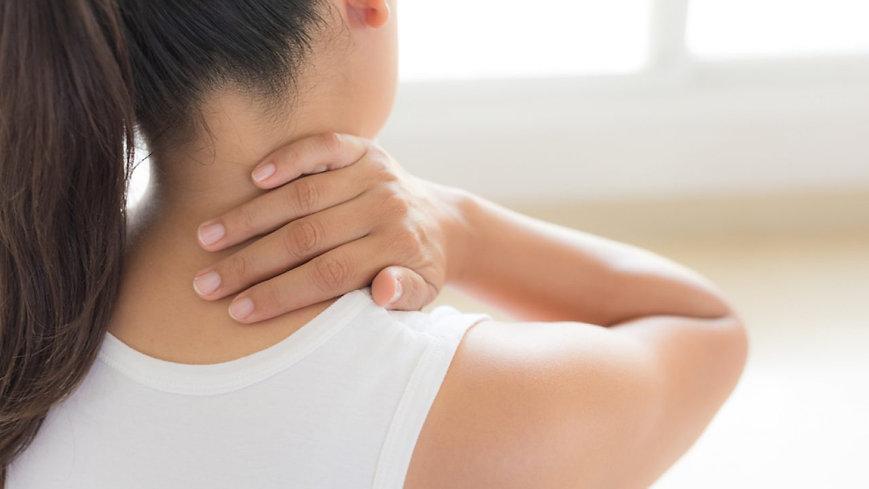 mulher-com-dor-no-pescoço-1280x720.jpg