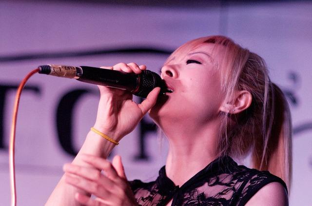 Hummingbird Vocalist - Cherelle Tan 3_edited