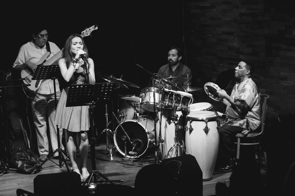 Hummingbird Vocalist - Dawn Ho 6