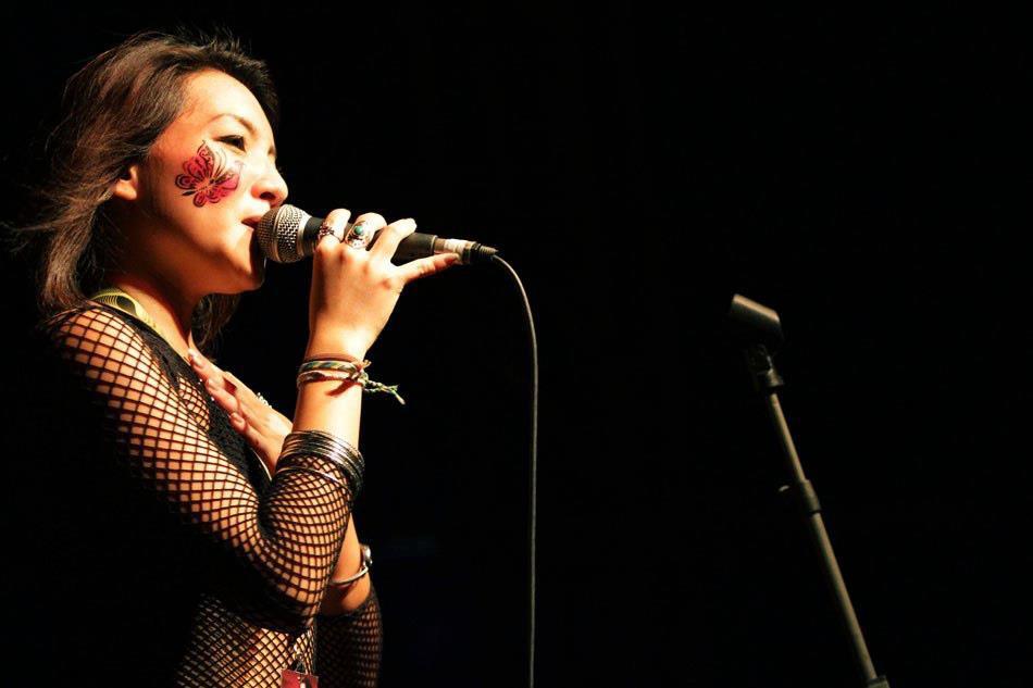 Hummingbird Vocalist - Dawn Ho 2