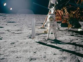 T01 Ep 01: Aventuras en la Luna