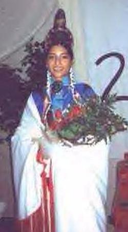 2002 MIO Lena Nells