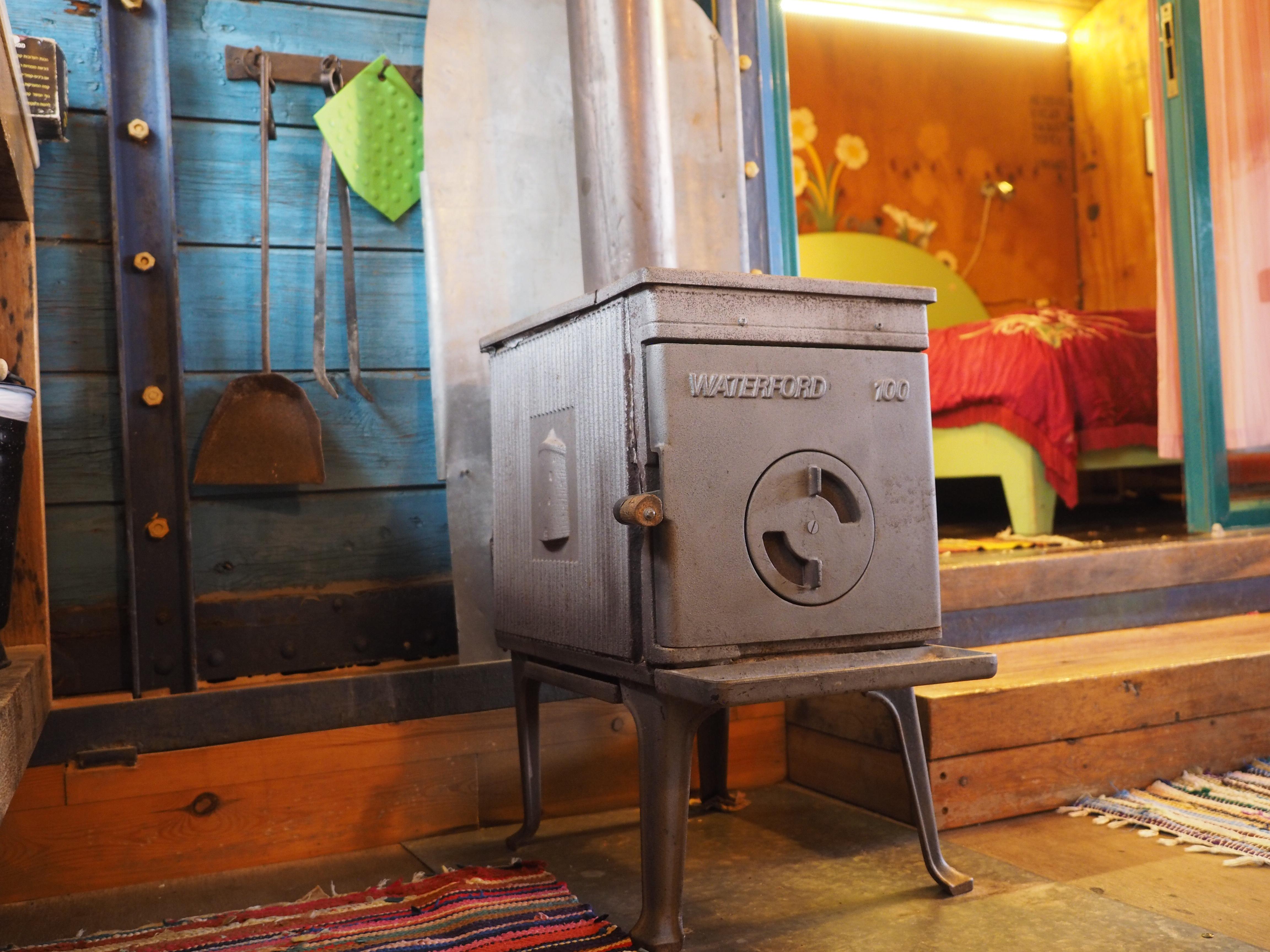 kadita_cabin5_stove