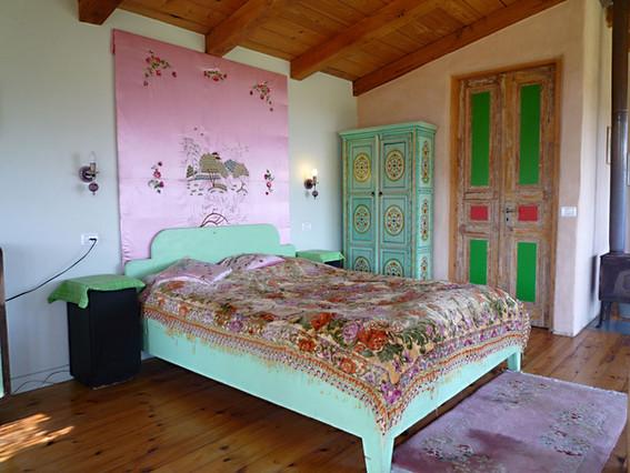 kadita_cabin6_bed.jpg
