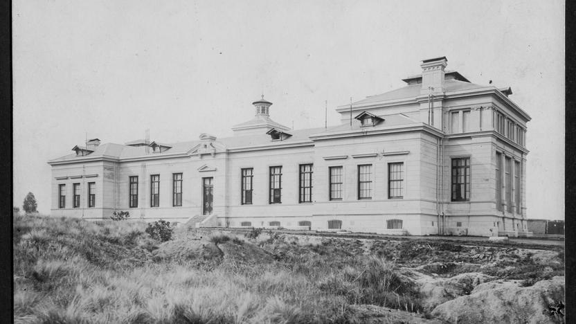 Hospital Nacional de Alienados. 6 de junio de 1925, Caras y Caretas. Foto AGN