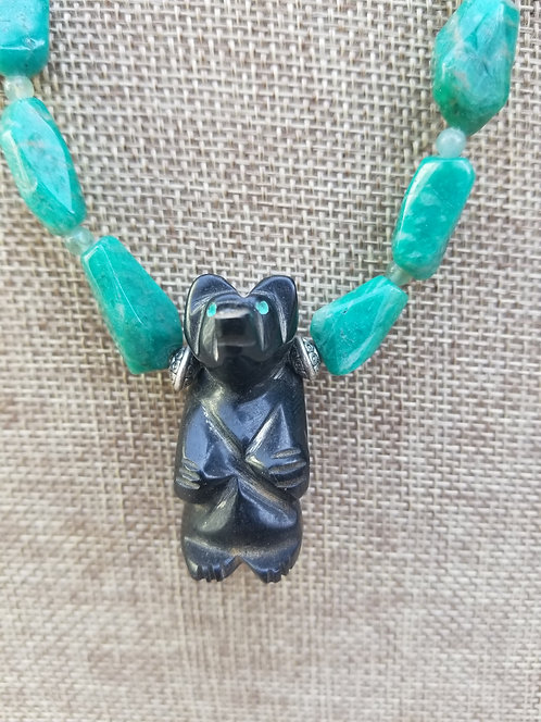 Carved  Native American Indian Bear Figures, Turquoise  Necklace