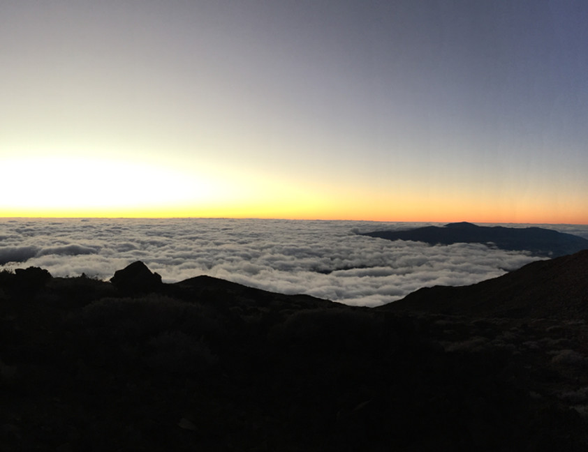 lever du soleil au sommet de la Réunion