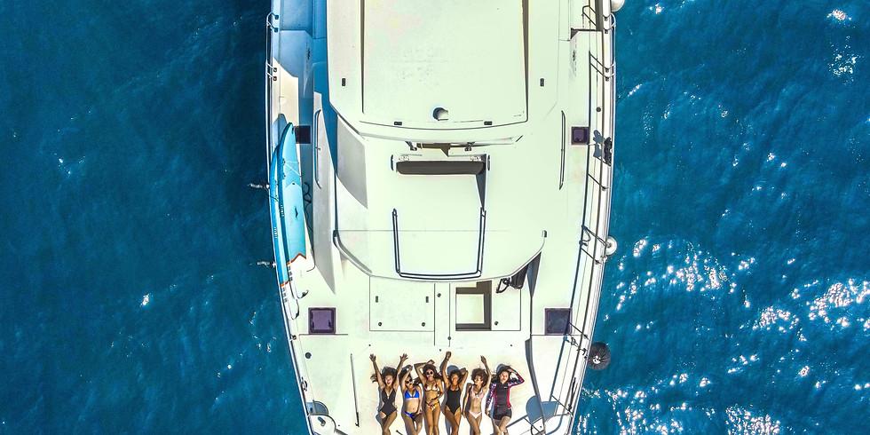 Luxury Catamaran Sailing Event to Turtle Island   龜山島牛奶海 獨家夏日出海行程