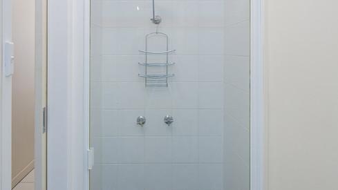 motel-2-bathroom-1.jpg
