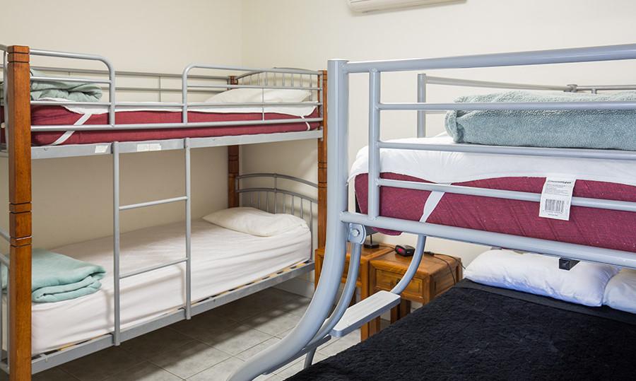 motel-1-bunks.jpg