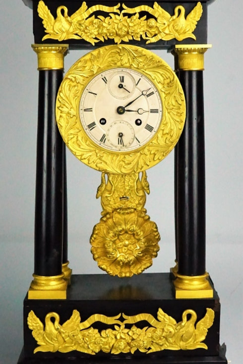 ANTIQUE 19th CENTURY EBONIZED PORTICO CLOCK
